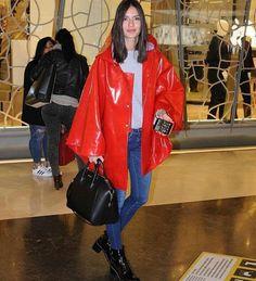 Yasemin Özilhan Beautiful Woman Girl Style Red Leather, Leather Jacket, Rain Jacket, Windbreaker, Women's Fashion, Street Style, Jackets, Beautiful, Studded Leather Jacket