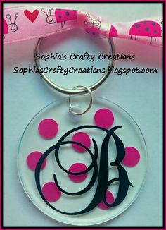 Vinyl Personalization & Monogramming-Acrylic Tumblers, Wine Glasses, Vases, Gifts, & Much More! Keychain Design, Diy Keychain, Keychain Ideas, Silhouette Vinyl, Silhouette Cameo Projects, Vinyl Crafts, Vinyl Projects, Craft Projects, Acrylic Keychains
