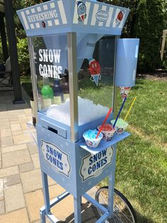 Snow Cone Machine for parties! Cool Kitchen Appliances, Cool Kitchen Gadgets, Toy Kitchen, Home Gadgets, Cooking Gadgets, Cool Kitchens, 10 Year Old Gifts, Commercial Cooking Equipment, Chef House