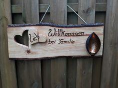 Herzlich Willkommen bei Familie... Ein großes,rustikales Türschild für die Wand . Bestückt mit einem Teelichthalter, welcher ein sehr schönes, warmes Licht ergibt. Das Schild hat eine stolze...