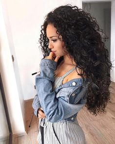 """2,806 Likes, 38 Comments - Long Curly Hair  (@long.curly_hair) on Instagram: """"@mairacastro0 """""""