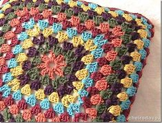 Almofada Crochê Vermelha - 40x