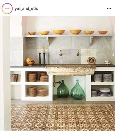 Mesmerised by this rustic gem 〰️ Favourite Design/ architecture/ landscape IG accounts. Please comment below ❤️ would love to discover… Rustic Kitchen, New Kitchen, Kitchen Decor, Küchen Design, House Design, Interior Design, Sweet Home, Concrete Kitchen, Primitive Homes