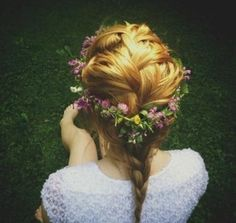Flower Hair #lulusrocktheroad