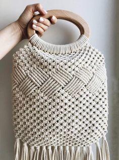 macrame+macrame wall hanging+macrame bag+macrame runner+macrame keychain+macrame diy+macrame mirror+macrame curtain+TWOME I Macrame & Natural Dyer Maker & Educator+MangoAndMore macrame studio Bag Crochet, Crochet Gifts, Crochet Clothes, Crochet Summer, Macrame Purse, Macrame Knots, Macrame Patterns, Crochet Patterns, Diy Macrame Wall Hanging