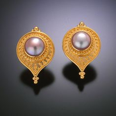 Zaffiro: earrings 22kt gold granulation pearl