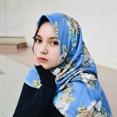 Girl Hijab, Beautiful Hijab, My Girl, Mom, Sexy, Womens Fashion, Instagram, Queen, Women's Fashion
