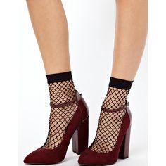 ASOS Oversized Fish Net Ankle Socks ($5.50) ❤ liked on Polyvore featuring intimates, hosiery, socks, black, shoes, cuff socks, black ankle socks, black socks, fish socks and black hosiery