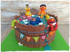 Sesame Street Cake | Sesamstraat Taart | Made by Simply Sweet NL Cupcakes, Cake Cookies, Boy Birthday Parties, Birthday Cake, Pool Cake, Sesame Street Cake, Elmo Party, Food Humor, Cakes And More