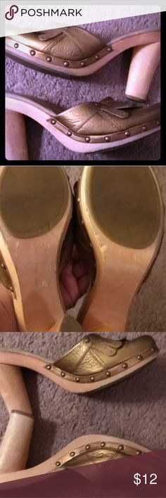 Women shoes Gold with wooden heel Enzo Angiolini Shoes Mules & Clogs
