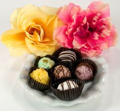 Gourmet gluten free chocolate macaroons at www.lilybloomskitchen.com