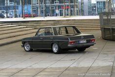 """Fragt man im Verwandtenkreis nach den Qualitäten der Mercedes-Benz Modelle aus den 70er und 80er Jahren, fallen fast schon einhellig die Worte """"Kilometerfress"""