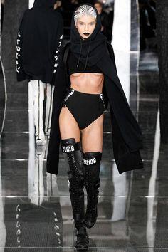 Confira o desfile da coleção da Rihanna com a Puma, na Semana de Moda de NY!