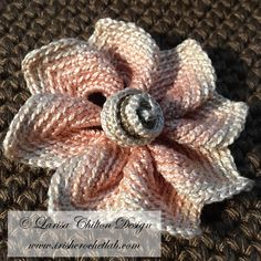Irish Crochet Lab is a detailed online course of how to make Irish Crochet Lace. Crochet Flowers, Crochet Lace, Thread Art, Point Lace, Irish Lace, Learn To Crochet, Irish Crochet, Burlap Wreath, How To Make