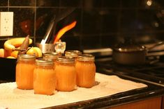 Persimmon Jam - I'm bartering homemade Italian bread for the persimmons Jam Recipes, Canning Recipes, Fruit Recipes, Sweet Recipes, Quick Recipes, Persimmon Jam Recipe, Persimmon Recipes, Canned Food Storage, Jam And Jelly