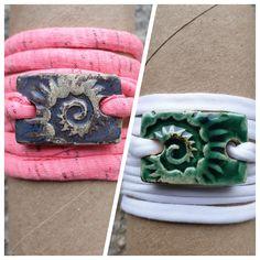 Armbänder für Mädchen aus Keramik, mit weichem Textilband...von KreativesbyPetra      #keramik #ceramic #ton #töpfern #töpferei #plattentechnik #Glasur #glaze #glasurbrand #glazebrand #botz #schmuck #jewellery #Anhänger #pendant #schmuckanhänger #jewelrypendant  #keramikanhänger #Unikat #handmade #handgemacht #Kunsthandwerk #Handwerk #DIY #geschenk #present #Meer #ocean #fisch #fish #ahoi #burschen #jungs #buben #mädchen #mädels #girls #textilband #schmuckband #jewelrybelt #geschenk #herz… High Top Vans, High Tops, High Top Sneakers, Vans Sk8, Girls, Shoes, Fashion, Arts And Crafts, Toddler Girls