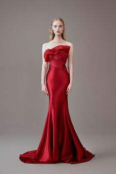 Wedding gown red beautiful 24 Ideas for 2019 Stunning Dresses, Beautiful Gowns, Elegant Dresses, Pretty Dresses, Vestidos Fashion, Fashion Dresses, Evening Dresses, Prom Dresses, Modelos Fashion