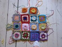 :: Crochet School : Lesson 5 : Make The First 'Round' Of A Granny Square | meetmeatmikes  The furthest I have ever come with crochet. Very clear how to videos!