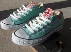 Hoi! Ik heb een geweldige listing gevonden op Etsy https://www.etsy.com/nl/listing/200513645/floral-converse-shoes