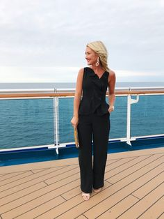 formal night on the cruise ship At sea, every night is date night! Sharing what to wear for Formal Night on a cruise ship. Plus all the other 'smart casual' nights! Summer Cruise Outfits, Cruise Attire, Cruise Dress, Cruise Wear, Vacation Outfits, Cruise Travel, Outfit Summer, Disney Cruise, Casual Summer