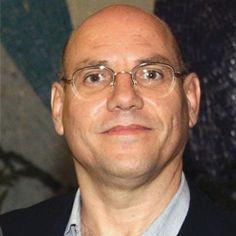 'Até que enfim!'. No artigo, Manoel Marcondes Machado Neto comemora as Diretrizes Curriculares Nacionais de Relações Públicas.