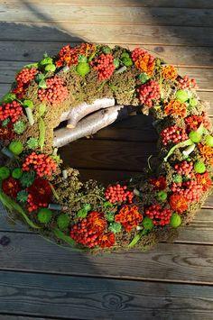 wreath by onega dahlgren
