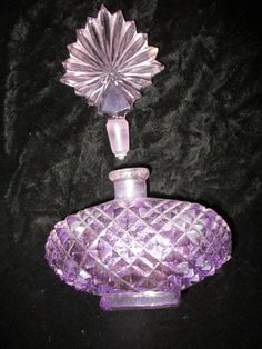 Amethyst Perfume Bottle with Dauber Cut Glass Bottle Purple Vintage Bottle Empty Weight : 14 oz. 5-1/2 tall by 4 wide Chip free -clean ♥ Smoke/Pet free home If we miss calculate shipping ~ you will receive The difference if over a $1.00 Display case