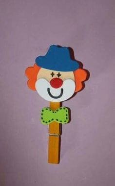Clown Crafts, Carnival Crafts, Diy And Crafts, Crafts For Kids, Arts And Crafts, Clowns, Spatula, Flower Pots, Origami