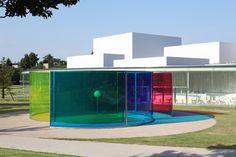石川県金沢市にある現代美術館です。来館情報、展覧会、イベント、教育普及プログラム、コレクションの紹介など。
