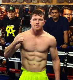 Saul Canelo Alvarez, Ufc Boxing, Boxing Workout, Boxing Images, Hot Rugby Players, Boxing Posters, Boxing Champions, Fight Club, Shirtless Men