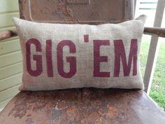 Texas A&M Aggies GIG 'EM Aggie Pillow Collegiate Decor Burlap Decorative Throw Pillow Custom Color Available Gift Home Decor