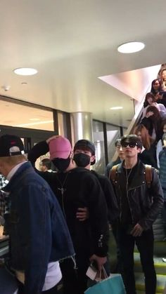 160507 #SHINee - LAX Airport From Toronto #Minho