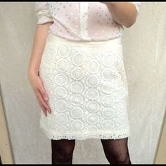 "New elegant white crotchet mini skirt New with tags. Worn only to model. Size 4, zipper at the side, 17"" long, 15"" waist laying flat (doesn't stretch), 100% cotton. Thank you for visiting my closet, I offer great discounts on bundles  Banana Republic Skirts Mini"