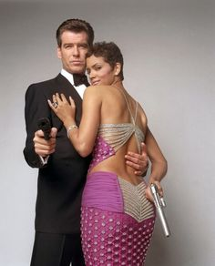 Pierce Brosnan as 007 and Halle Berry as Jinx in Die Another Day (2002)