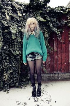 ~ This is like...the perfect blend of cute/casual and grunge. I love it.