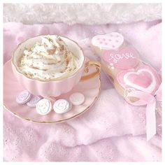 Jan 2020 - cutest little day eating cupcakes and drinking hot chocolates with cream and love heart sweeties ☕️💕🍰💕☁️✨ i've put together a cute little… Baby Pink Aesthetic, Aesthetic Food, Kawaii, Hot Chocolate With Cream, White Chocolate, Unicorn Foods, Pink Foods, Cute Desserts, Tea Art
