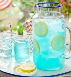 Transform classic lemonade into something truly sensational by adding flavored candy! This JOLLY RANCHER Lemonade recipe is sure to be a hit with your of July crowd—young and old. Of July Party Mix) Kid Drinks, Fruit Drinks, Non Alcoholic Drinks, Party Drinks, Healthy Drinks, Beverages, Drink Recipes Nonalcoholic, Alcoholic Punch, Blue Drinks
