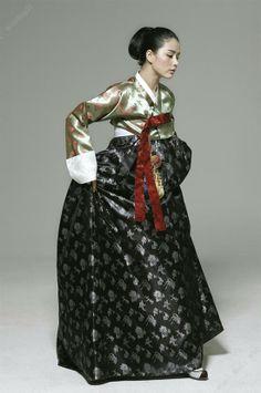Hanbok  ~ Repinned via Anja Dryja