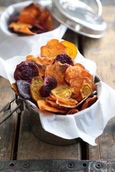 Easy Oven Baked Rosemary Sea Salt Sweet Potato Chips - www.countrycleaver.com Perfect for #Whole30 and all diets!