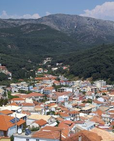 Parga is a town n municipality located in de northwestern part of de regional unit of Preveza in Epirus, northwestern Greece