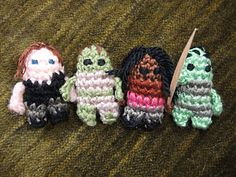 Make your own Mini Daryl Dixon and Michonne characters. Standing at a tiny 4.5cm, they may not be big but they have just as much attitude as their full-size counterparts! Easily tough enough to take on a horde of miniature walkers!