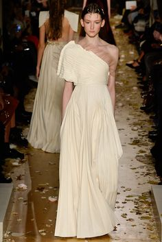 #Valentino #HauteCouture #SS2016 #Paris #catwalk
