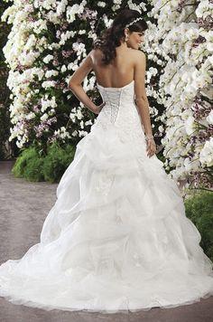 Sincerity, Spring 2013 http://pinterest.com/nfordzho/dream-wedding/