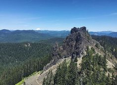 Tidbits Mountain is a lesser known mountain near Blue River in the Willamette National Forest. The pinnacled summit offers views of the Three Sisters and the Willamette Valley.  Photographer: @amandaeb24 Selected by: @fiddlejill  Thank you for tagging your best Oregon photos & videos #jj_oregon, including location.  Please take a moment to visit the featured photographer's feed and remember to 1-2-3 (for every image tagged to #jj_oregon, comment on 2 and like 3 others within the #jj_oregon…