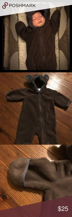 Columbia Bear Onesie Only worn once. Brown Columbia Bear onesie. Hands and feet can either be open or flipped closed for extra warmth. Item is fleece. (Baby not included 😜) Columbia One Pieces Bodysuits