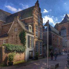 ArnhemHolland. #global_hotshotz #igworldclub #ig_exquisite #cityview #kings_villages #instaholland #instagoodmyphoto #exclusive_shot #madeinholland #travelphotography #holland_photolovers #loves_netherlands #loves_cityscapes #ig_discover_holland #travel_captures #visitholland #uwn_holland #super_holland #wonderful_holland #igholland #folkmagazine #photoftheday #igbest_shotz #traveling #huffpostgram by houseno.50