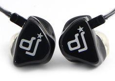 custom earphone> Published by www.notbooth.com