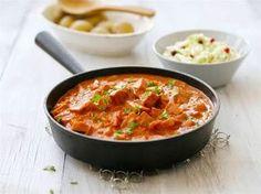 Kunnon makkarakastike piristää välillä arkipäivää. Tarjoa lisänä kuoriperunoita ja raikasta kasvisraastetta. Wine Recipes, Cooking Recipes, Couscous, Food Inspiration, Stew, Nom Nom, Sausage, Curry, Food And Drink