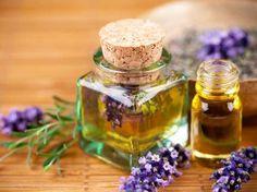 Essential oils for Our Soaps: Lavender - Aceites esenciales Para Nuestros Jabones: Lavanda Best Essential Oils, Essential Oil Blends, Essential Oils For Rosacea, Natural Treatments, Natural Cures, Spa Treatments, Natural Skin, Aromatherapy, Medicinal Plants