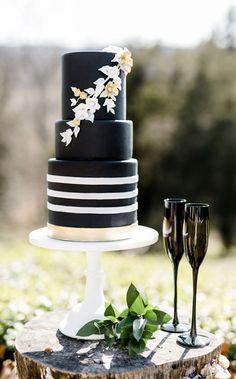 Black And White Gold Wedding Cake – Images Gallery Site Black And Gold Cake, White And Gold Wedding Cake, Metallic Wedding Cakes, Black Wedding Cakes, Elegant Wedding Cakes, Wedding Decor, Green Wedding, Wedding Shoes, Wedding Pins